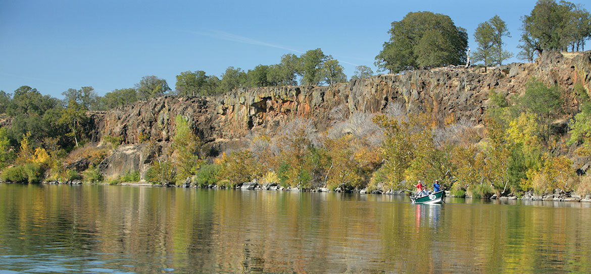 The most scenic parts of the Lower Sac are just upstream from Red Bluff.